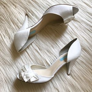 [[Betsey Johnson]] Lily Bowtie Pump in Ivory - 9